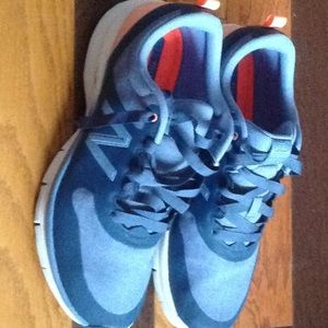 New Balance casual/athletic denim colored Sz 11